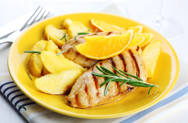 Chicken breasts are one of the apple recipes you can try
