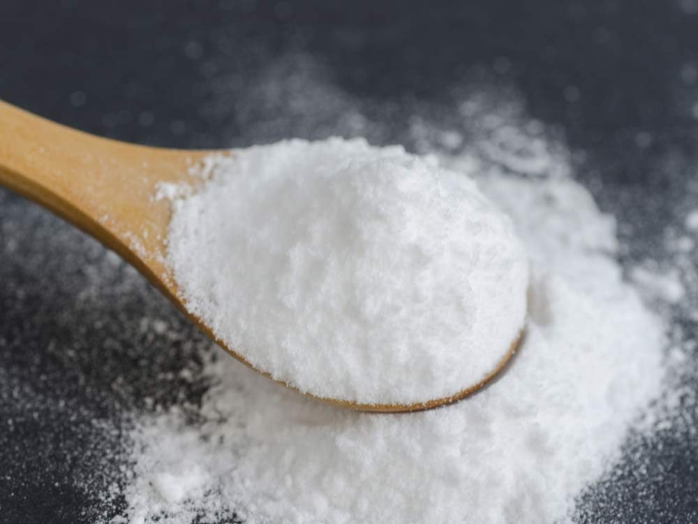 Clean your car with baking soda