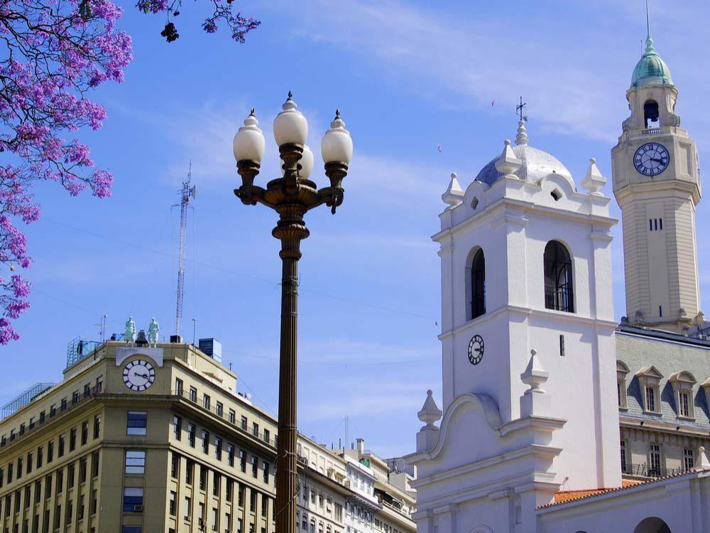 Avenida de Mayo in Buenos Aires