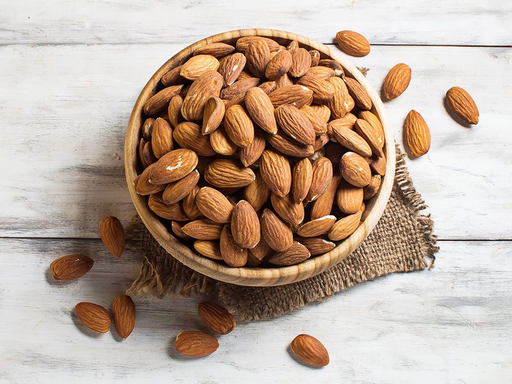 Almonds are a healthy snack between meals