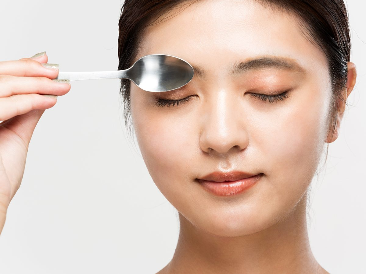 How to revive tired eyes - Spoons