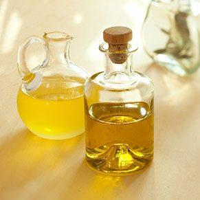 5. Vinegar Treats Sweat Stains