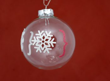 How to Clean Glass Ornaments