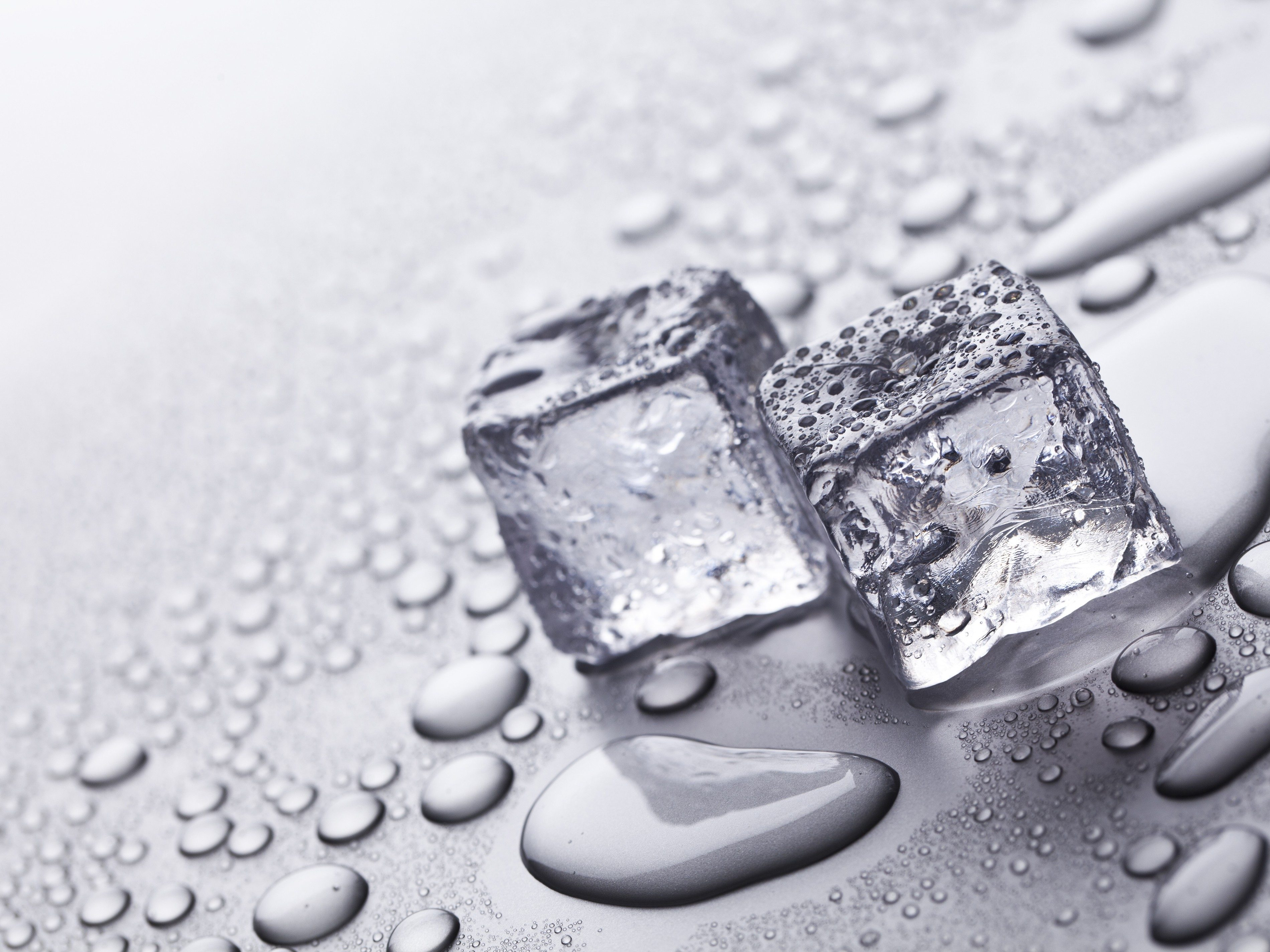 5 Clever Ways to Use Ice Cubes