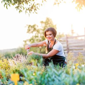 Medicinal plants to grow at home - woman in garden