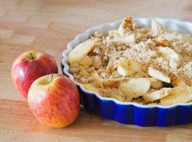 Apple Crumble Cinnamon Pie