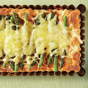 Tasty Egg Recipe: Asparagus Hollandaise Puff