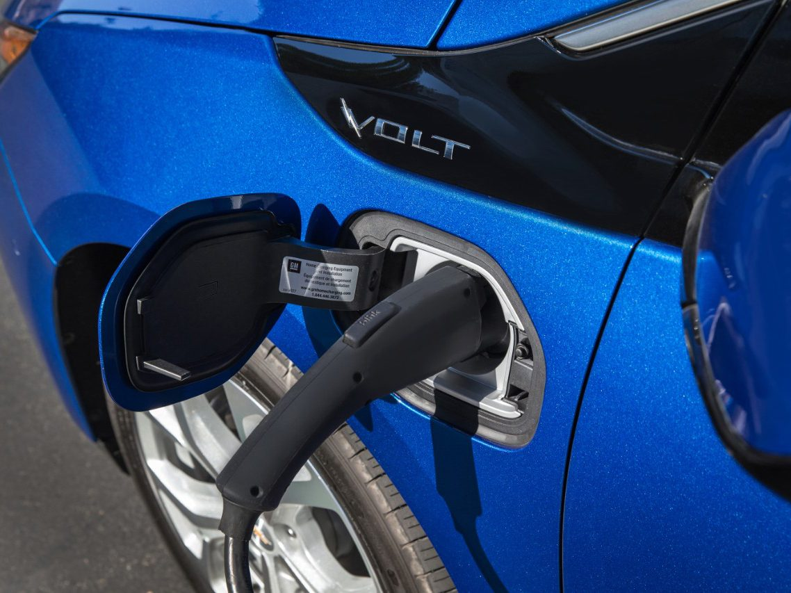 5. The 2016 Chevrolet Volt Includes Location-Based Charging