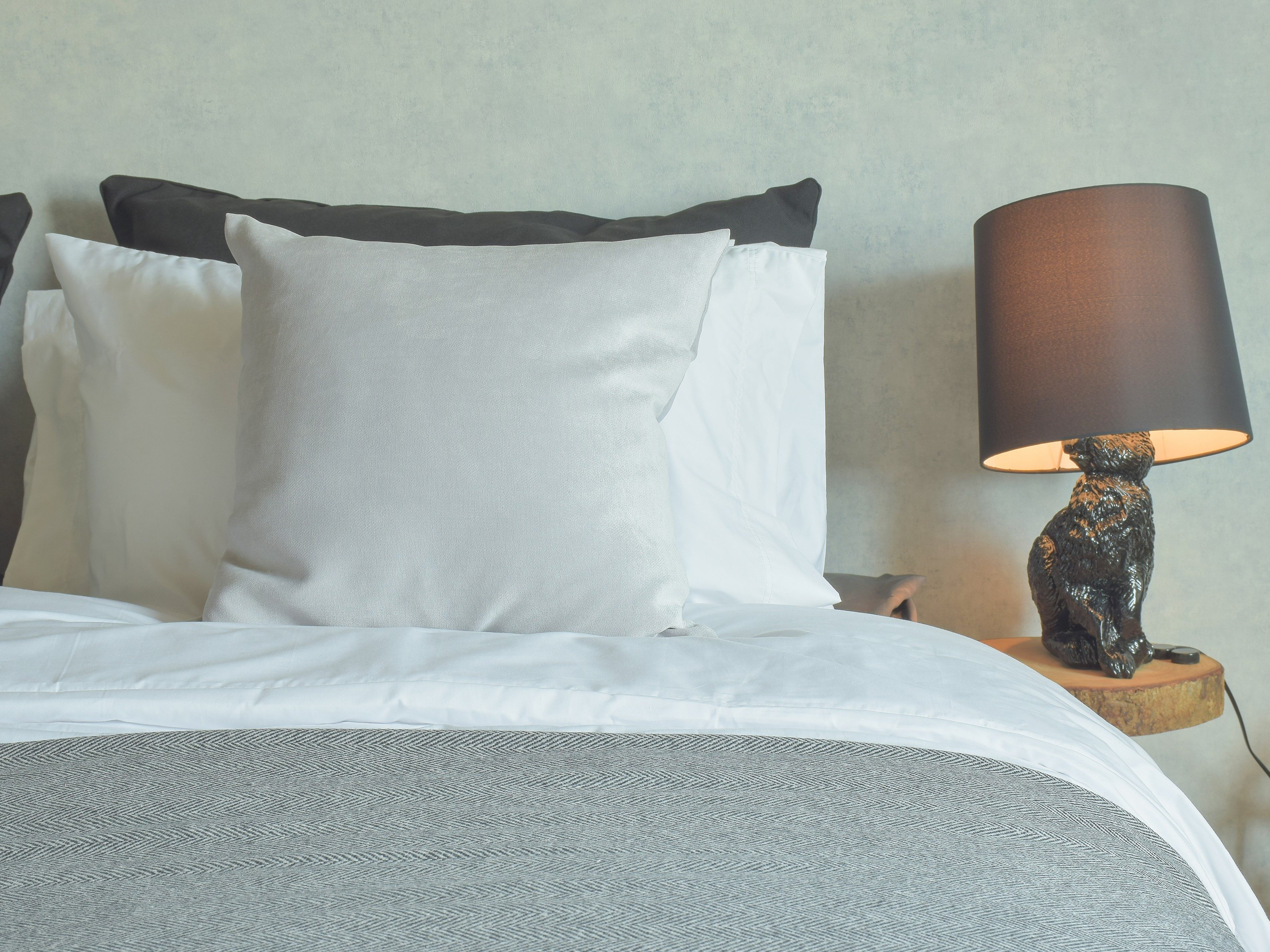 4. Handle hotel comforters with care.