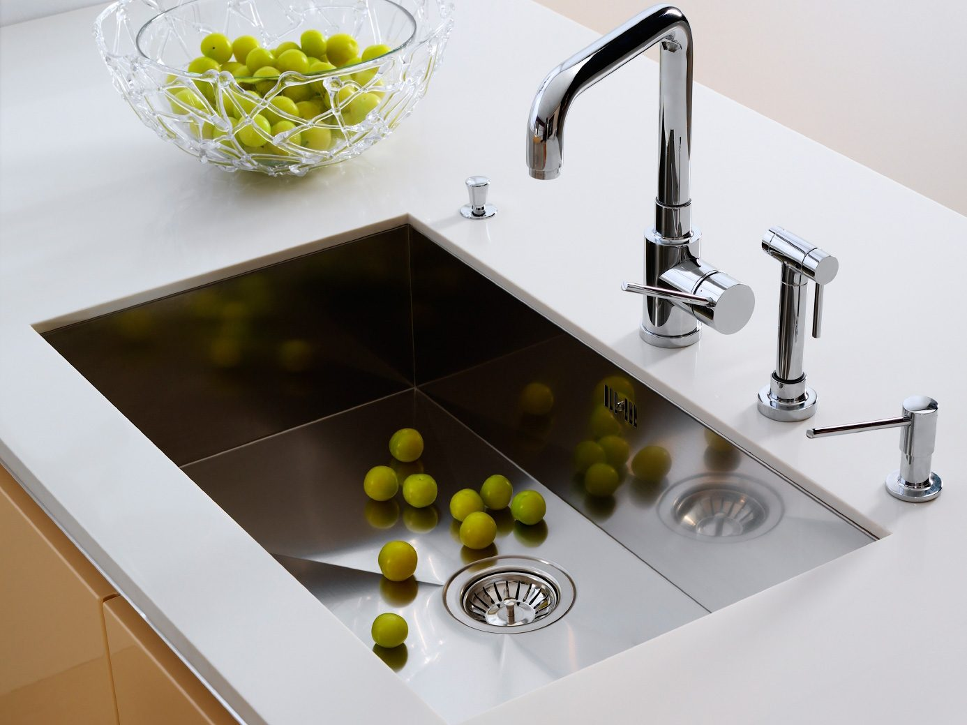 Kitchen-Cleaning Tips: Disinfect a Garbage Disposal