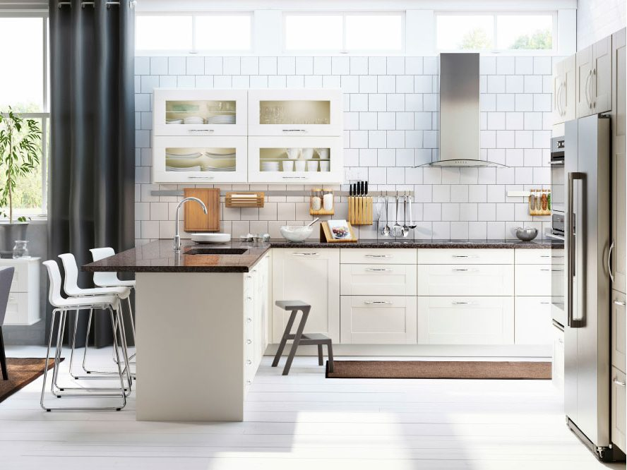 Rule #5: YOU CAN'T GO WRONG WITH A WHITE KITCHEN