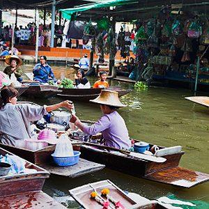 6. Damnoen Saduak Floating Market