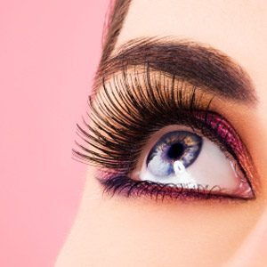 Make-Up Trick #5: Accentuate Your Lashes