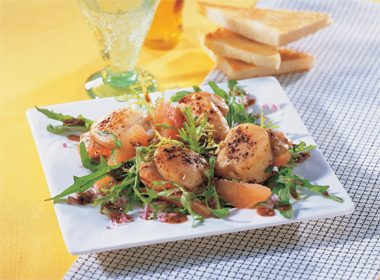 Seared Sea Scallops and Grapefruit Salad