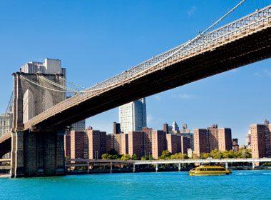 Places to Take a Selfie: Brooklyn Bridge