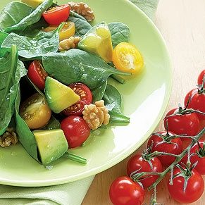 Spinach Salad With Cherry Tomatoes, Avocado & Walnuts