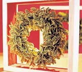 3. Reversible Table Wreath