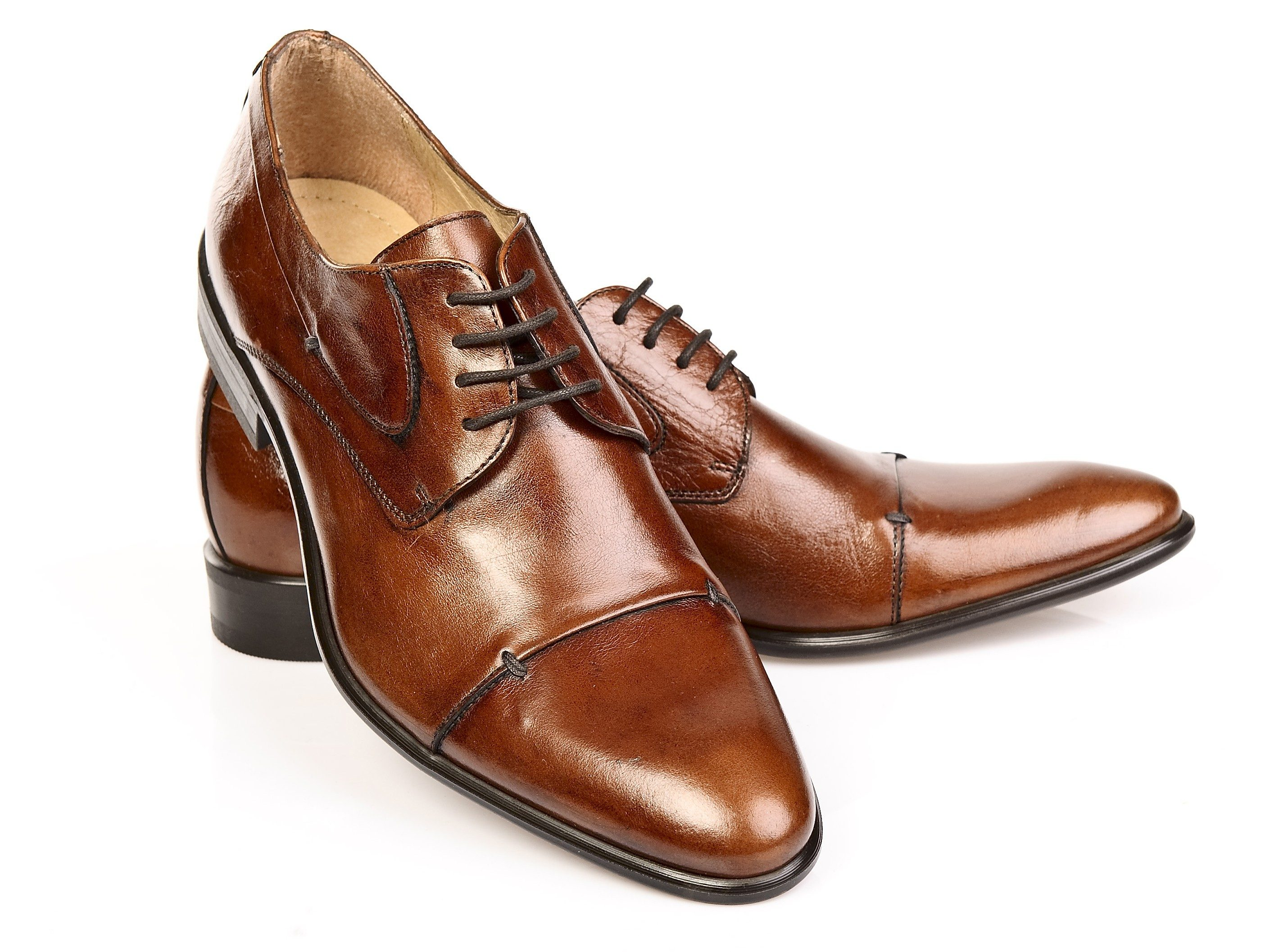 4. Use Shampoo to Revitalize Leather Shoes and Purses