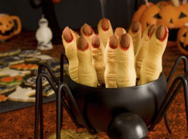 Halloween Treat Recipe: Bloody Witches Fingers
