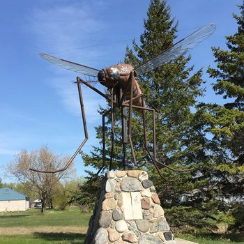 Worst places in Canada for mosquitoes - Komarno Manitoba mosquito statue