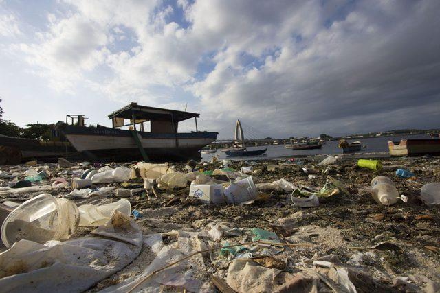 Polluted Rio de Janeiro waterway