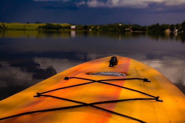 Paddleboard in the lake