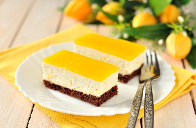 Lemon cheesecake bars are one of the best summer dessert recipes