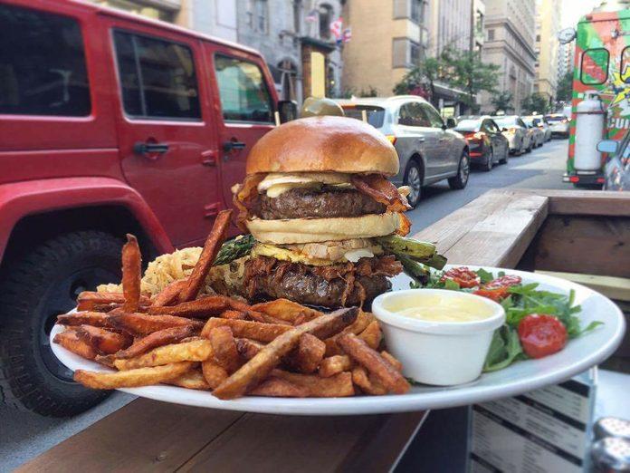$100 burger at M:brgr