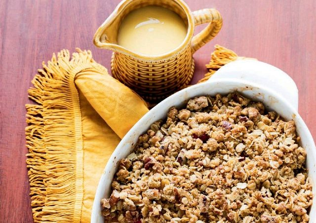 Pear, Cranberry and Ginger Crumble