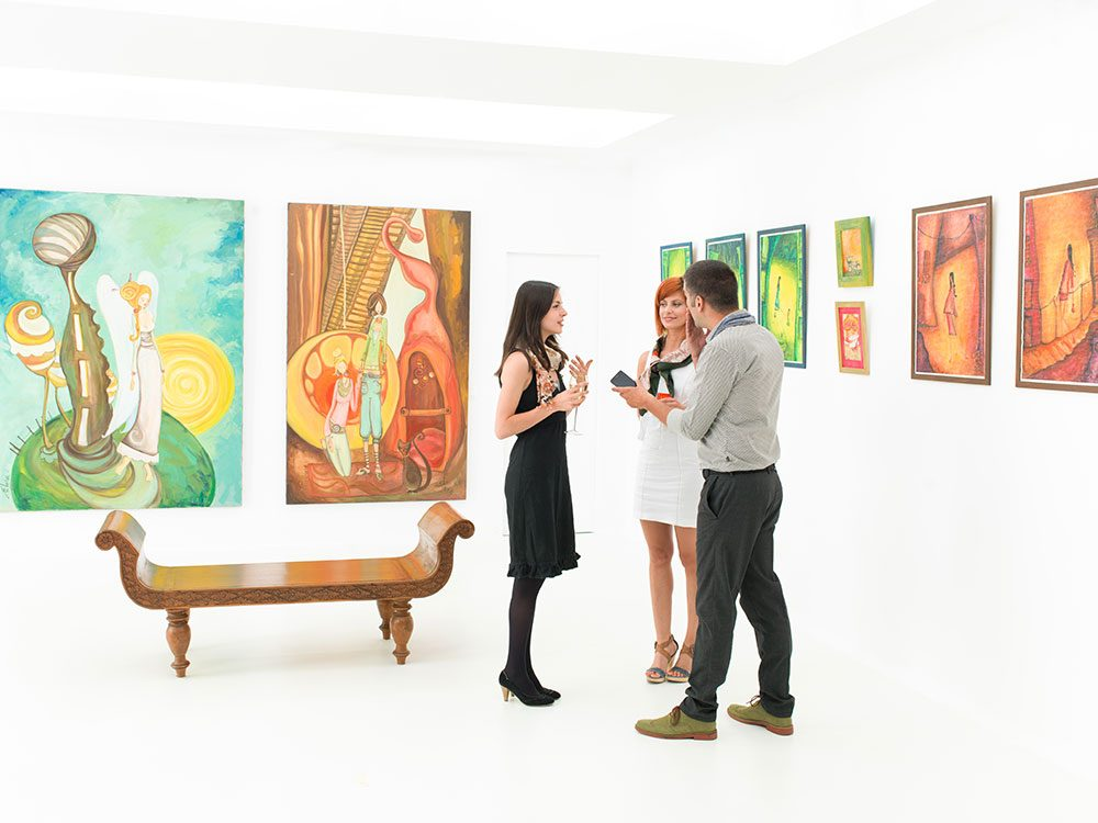 Art gallery owner and buyers