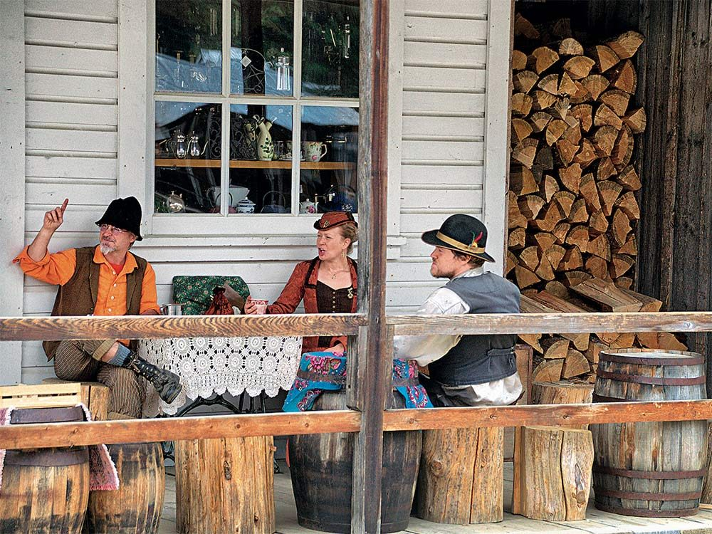 Staff in Barkerville dressed in old-fashioned clothing