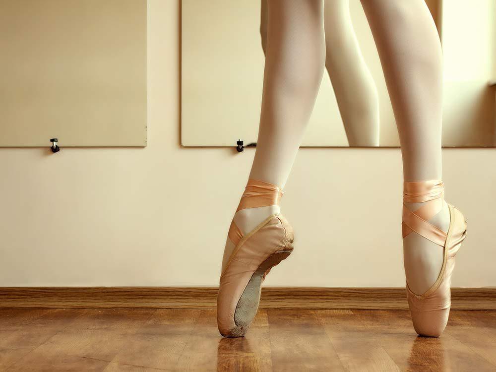 Ballet dancer in point shoes