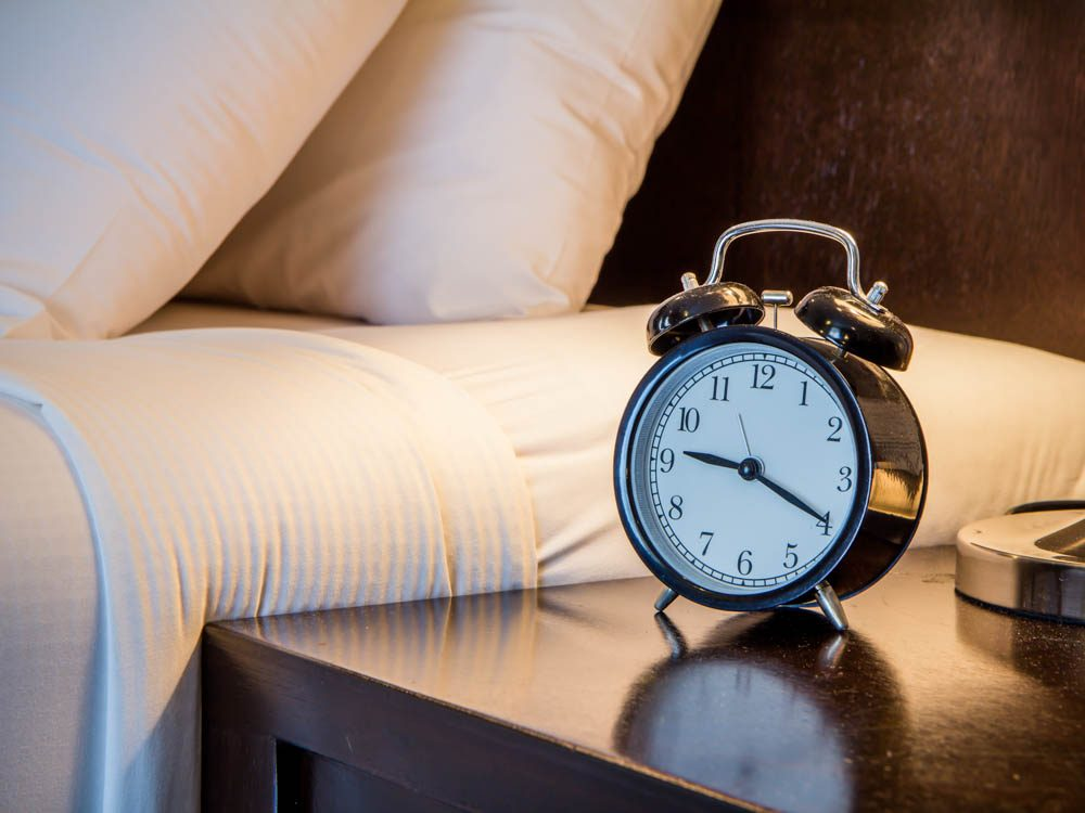 Give yourself a bedtime to lose weight while you sleep