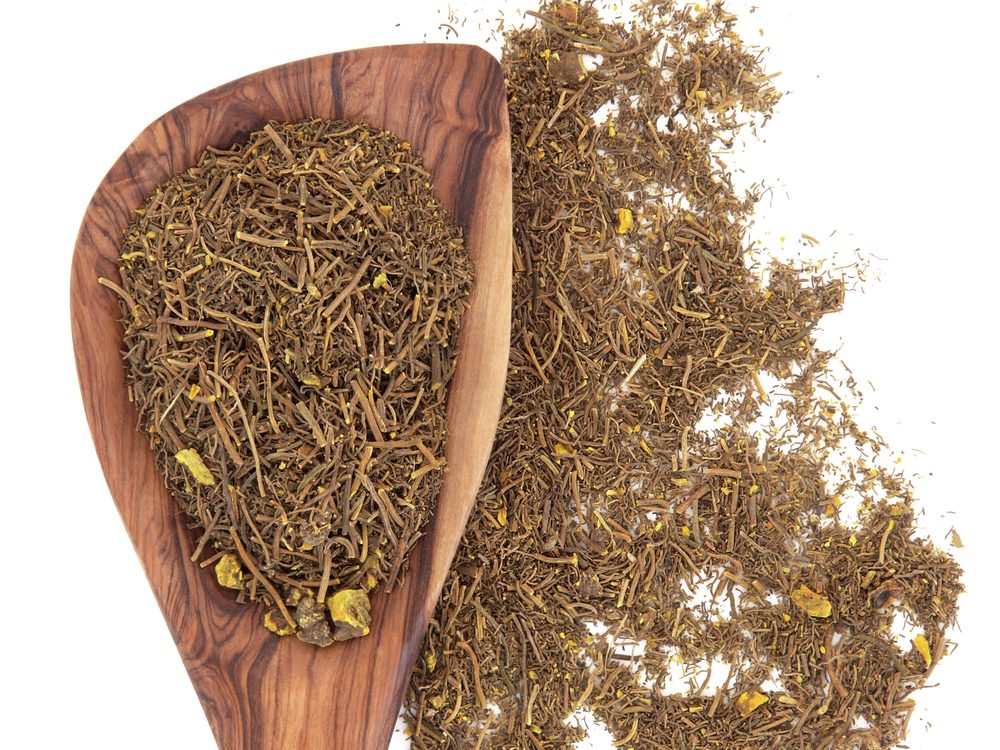 Goldenseal is a natural sore throat remedy.