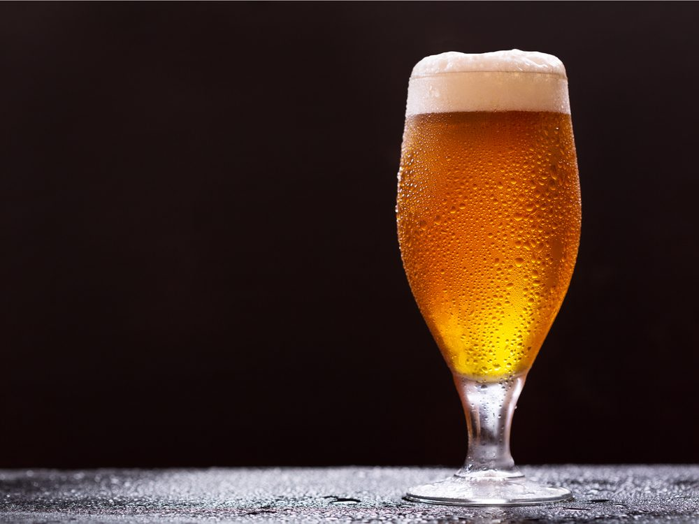 Choosig a curvy glass is a reason you got drunk so quickly