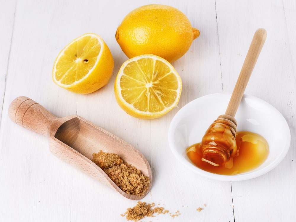 Brown sugar, honey, and lemon juice are a home remedy to treat blackheads