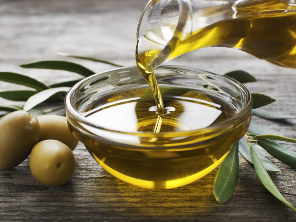 Use olive oil to clear up acne