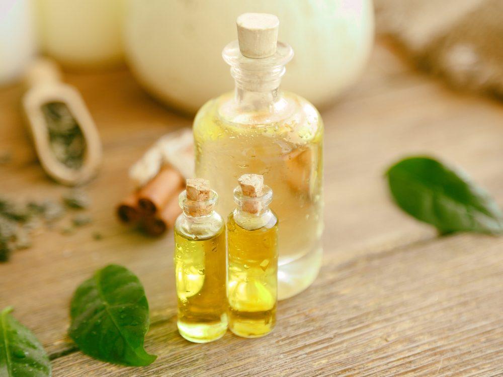Use tea tree oil as a home remedy to treat blackheads