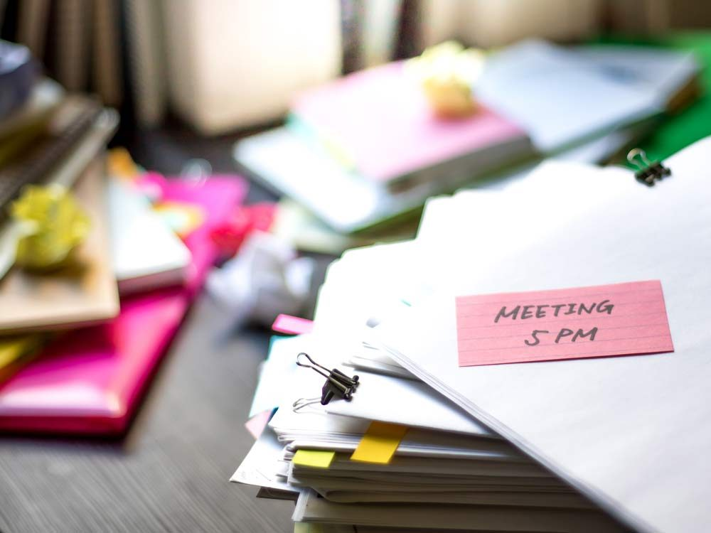 Smart people have a messy desk