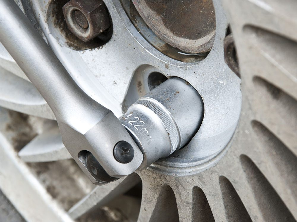 Tighten wheel nuts