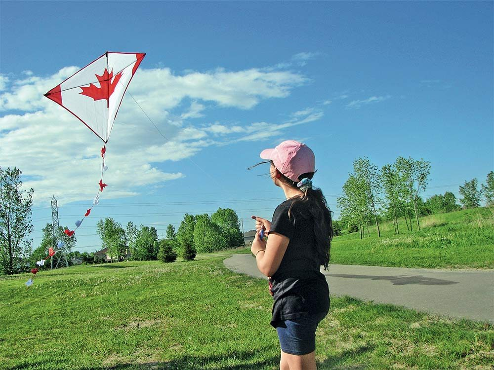 Flying diamond kite
