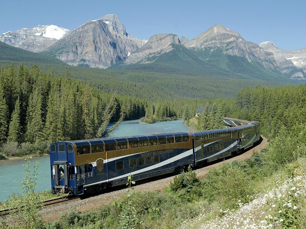 Rocky Mountaineer at Morant's Curve