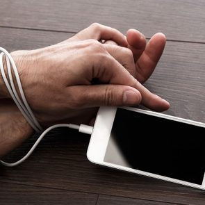 Overcoming Facebook addiction - digital detox tips