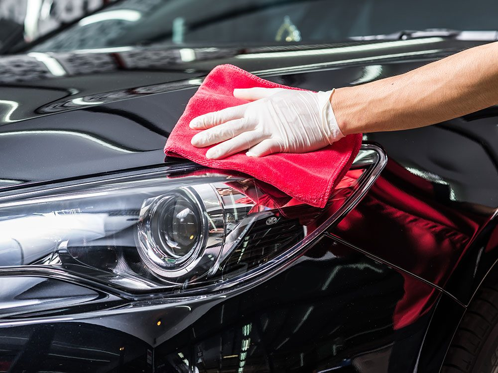 Car cleaning accessories: Car wax kit