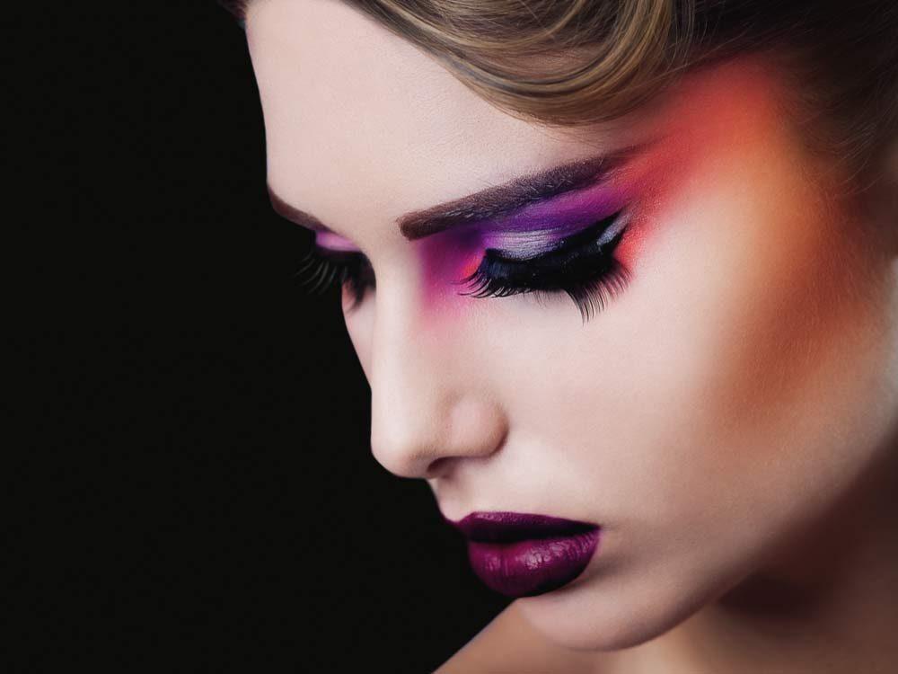 Pastel-coloured makeup