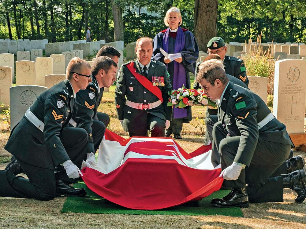 Burial ceremony of Private Kenneth Donald Duncanson