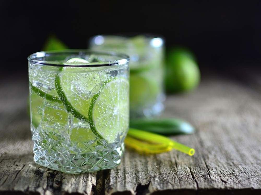 Sparkling water with lime slices
