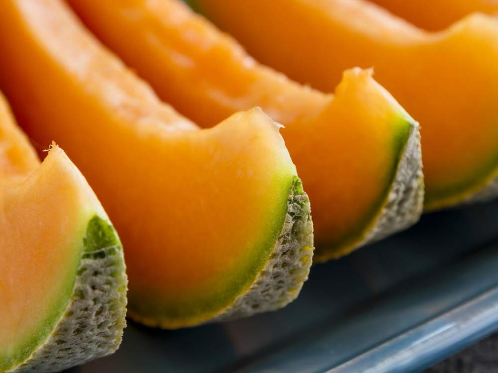 Health benefits of cantaloupe - Cantaloupe slices