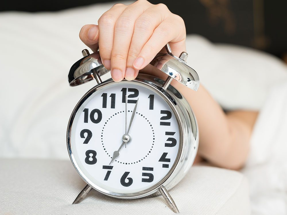 Want to be a morning person? Don't hit the snooze button