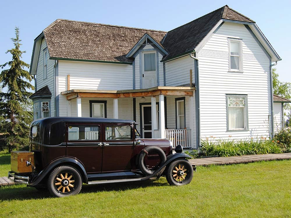 Vintage home and car